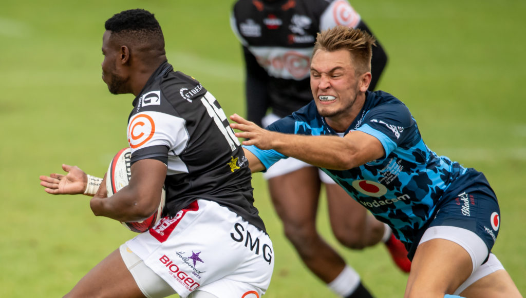 PRETORIA, SOUTH AFRICA - JANUARY 30: Aphelele Fassi of the Cell C Sharks and David Kriel of the Vodacom Bulls in action during the Carling Currie Cup final match between Vodacom Bulls and Cell C Sharks at Loftus Versfeld Stadium on January 30, 2021 in Pretoria, South Africa. (Photo by Anton Geyser/Gallo Images)