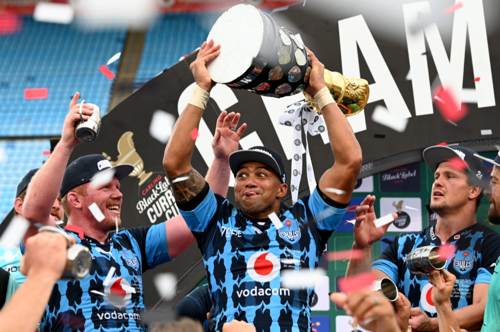 Cornal Hendricks lifts the Currie Cup