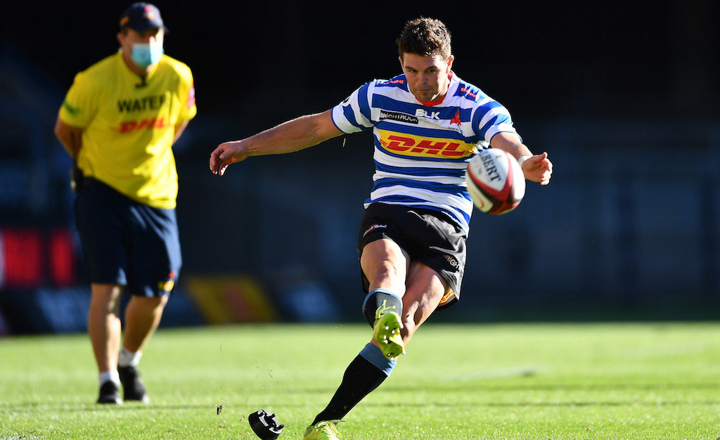 Tim Swiel takes a shot at goal for Western Province