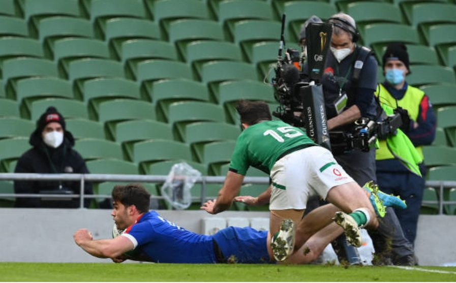 France wing Damian Penaud scores the winning try against Ireland