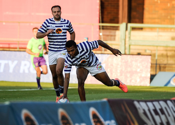 Athi Gazi scores one of his three tries in the Varsity Cup