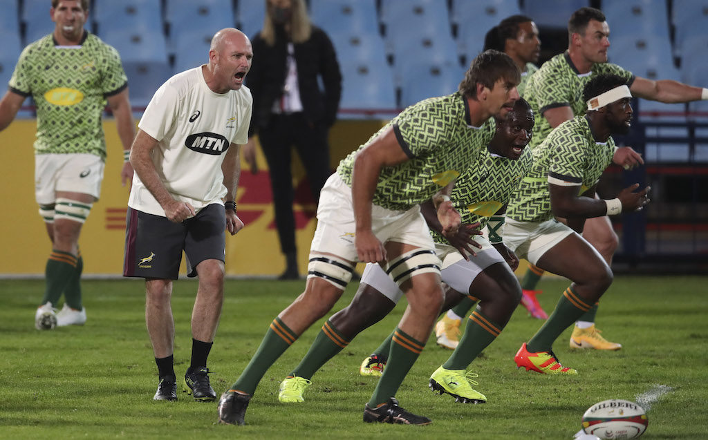 Jacques Nienaber motivates Bok players in training