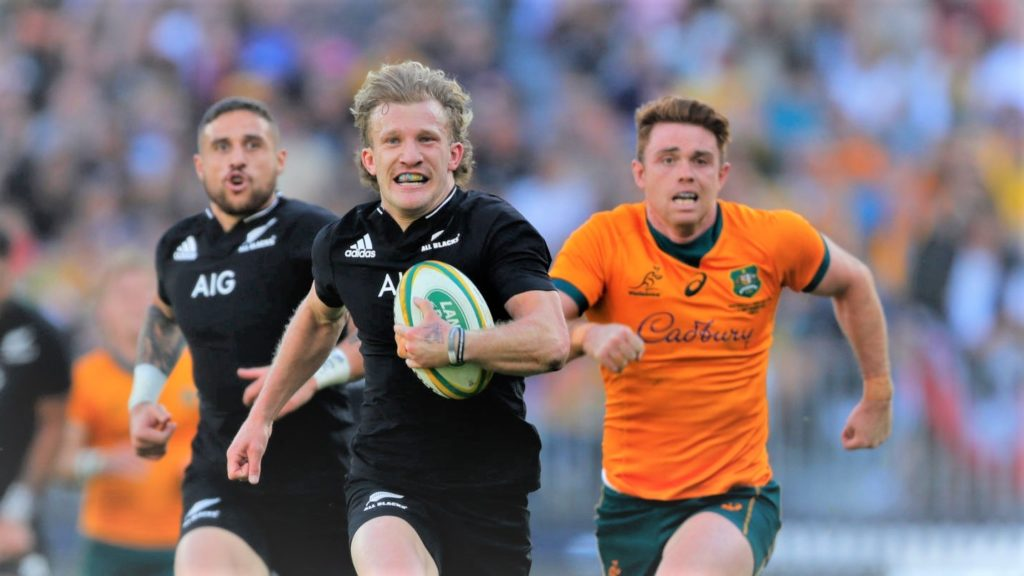 PERTH, AUSTRALIA - SEPTEMBER 05: Damian McKenzie of the All Blacks runs for a try during the Bledisloe Cup match between the Australian Wallabies and the New Zealand All Blacks, part of The Rugby Championship, at Optus Stadium on September 05, 2021 in Perth, Australia. (Photo by James Worsfold/Getty Images)