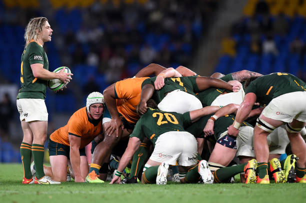 GOLD COAST, AUSTRALIA - SEPTEMBER 12: Faf de Klerk of the Springboks prepares to feed scrum ball during the Rugby Championship match between the South Africa Springboks and the Australian Wallabies at Cbus Super Stadium on September 12, 2021 in Gold Coast, Australia.